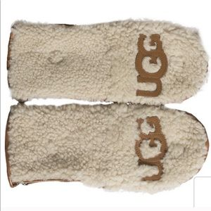 Ugg Curly pile Flip Mittens